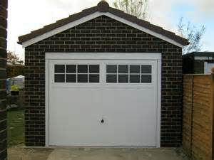 Safe operating of your garage door ventura garage door for Garage doors ventura ca